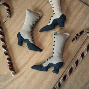 Victorian Boot Ornie