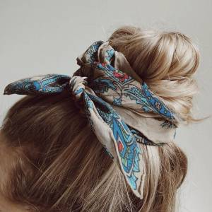 HAIR SCARF: IDEAS FOR WEARING THIS TREND