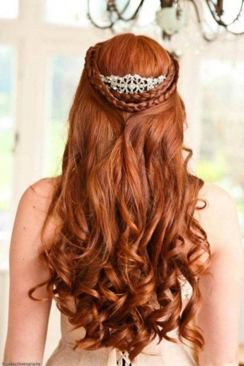 beautiful half up half down hairstyle for brides