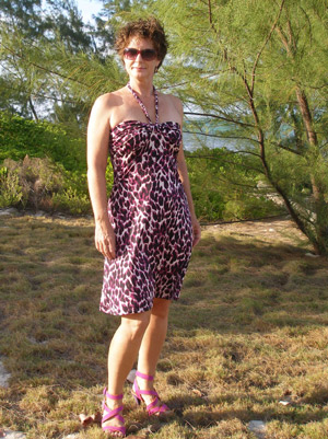 Easy Summer Dress. Free multi-size pattern and step by step photo tutorial