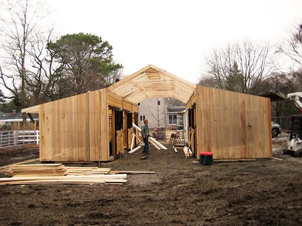 how to build a horse barn yourself